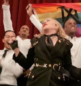 Madonna accuses theater of censorship after stagehands drop the curtain on her show