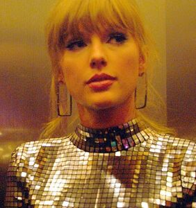 Taylor Swift just threw major shade at an antigay senator and we're totally here for it