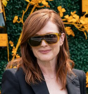 Oscar-winner Julianne Moore blows off ceremony; parties with the gays instead