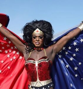 Nashom Wooden, aka drag star Mona Foot, dies from COVID-19