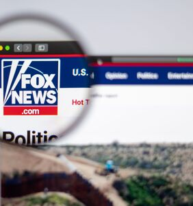 Reddit remembers the time Fox News mistook lesbian brides for a hetero couple