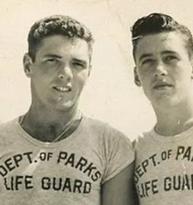 This vintage photo of two lifeguards who were maybe probably more than friends has everyone talking