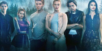 'Riverdale' star comes out as bi