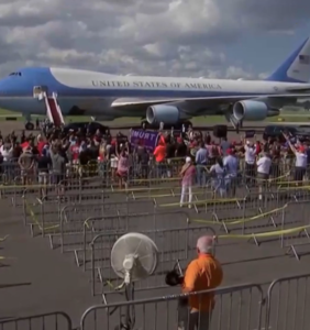 Trump threw a rally on a tarmac in Florida and nobody came