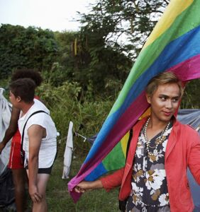 Trans women risked their lives to join in the migrant caravan. 'The Right Girls' tells their story.