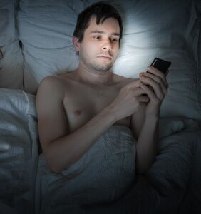 He only sleeps with women, but he can't stop flirting with dudes online… So what does it mean?!
