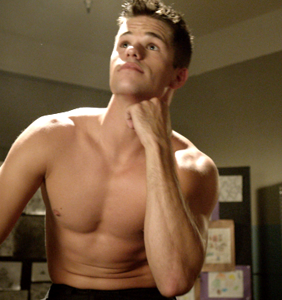 Out 'Ratched' hunk Charlie Carver on why he doesn't only want gay roles