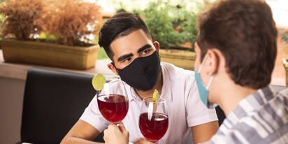 6 ways to think about hooking up safely in the time of pandemic