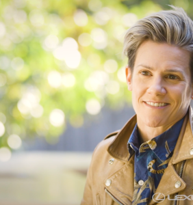 What can't comedian, writer, & podcaster Cameron Esposito do?