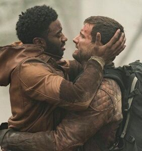 'The Walking Dead' defends gay storyline; epically shuts down haters