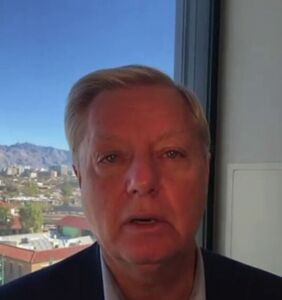 """Twitter is absolutely losing it over Lindsey Graham's viral """"Plug that hole!"""" moment"""