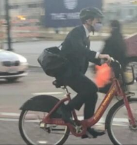 Pete Buttigieg biking home from work has the internet in a frenzy