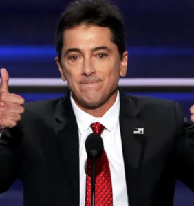 Scott Baio tried to one-up a comedian on Twitter. He failed so hard he's trending now.