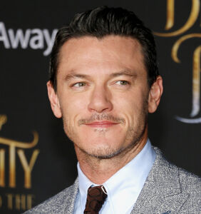 Luke Evans shares before and after pics from 8 months of training