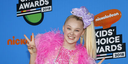 JoJo Siwa doesn't give AF about homophobic haters and neither should you