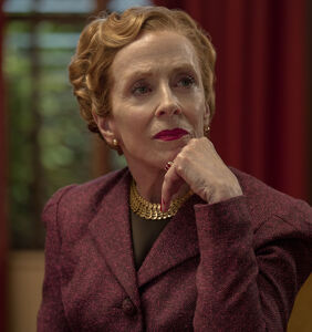 Before becoming a queer icon, Holland Taylor was hiding in plain sight for 50 years