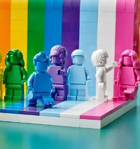 """LEGO launches its first LGBTQ set – because """"Everyone is Awesome"""""""