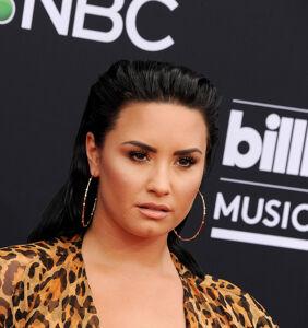 Singer Demi Lovato comes out as nonbinary