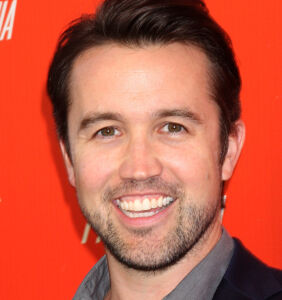 'Always Sunny' star Rob McElhenney pays tribute to his gay moms