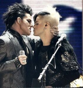 That time everyone flipped out when Adam Lambert got frisky with a male dancer during the 2009 AMAs