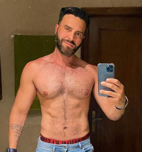 Venezuelan pop star Francisco León comes out as gay