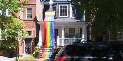 Chicago gay couple's amazing Pride display wows the neighborhood