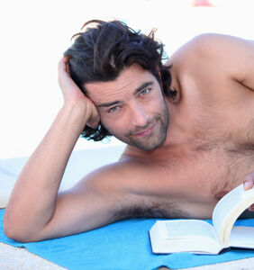 'Yes, Daddy'…and 9 other wonderful queer books to enjoy at the beach this summer