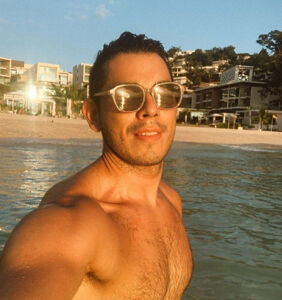 This popular TV host just came out as gay… and now we need to talk about his Instagram page