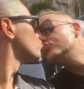 Ross Matthews shares sweet photo kissing his fiancé
